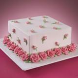 Квадрат усыпанный розами