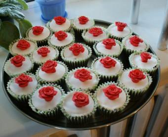 Красные розы, Капкейки