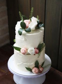Торт с живыми цветами, Торты на заказ