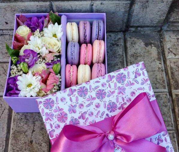Коробки с цветами и печеньем своими руками 995